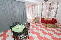 Стоимость отдыха в Крыму радует туристов - Небольшой обеденный стол