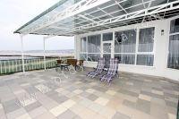 Стоимость отдыха в Крыму радует туристов - Большая терраса с видом на море