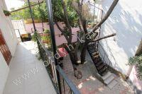 Провести отдых недорого: частный сектор, Феодосия ждет - Общий балкон на два номера