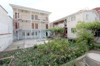 Крым, Феодосия гостевые дома у черного моря - Большой зеленый двор