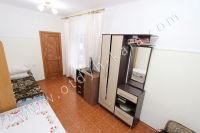 Феодосия, жилье недорого в историческом районе - Большие светлые окна