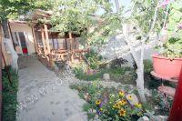 Феодосия, отдых частный сектор цены на проживания - Много цветов во дворе