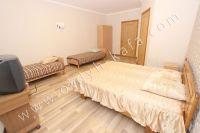 Феодосия: частный дом снять в популярном районе - Мягкая двуспальная кровать