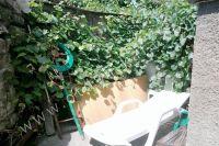 Снять частный дом в Крыму летом - Шезлонг во дворе