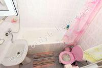 Недорогая аренда дома в Крыму - Небольшая ванна