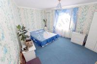 Аренда дома в Феодосии посуточно - Современная двуспальная кровать