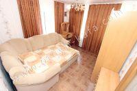 Снять дом в Феодосии без посредников - Угловой диван в спальне