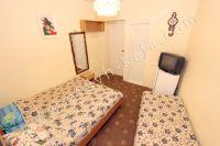 В центре снять жилье в Феодосии недорого: частный сектор - Небольшие комнаты