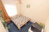 В центре снять жилье в Феодосии недорого: частный сектор - Двух-местный номер