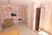 Снимайте жилье в Феодосии: частный сектор - Вместительный платяной шкаф