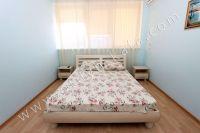Эллинги в Феодосии на берегу моря, вторая линия - Удобная двуспальная кровать