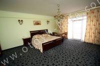 Феодосия, эллинг - жильё у моря - Удобная двуспальная кровать