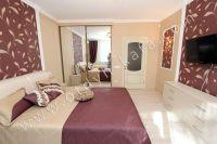 Удачная аренда квартир в Феодосии у моря - Широкая двуспальная кровать