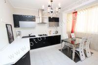 Удачная аренда квартир в Феодосии у моря - Достаточно вместительная кухня