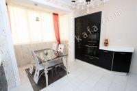 Удачная аренда квартир в Феодосии у моря - Небольшой обеденный столик