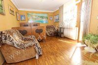 Предлагаем вам жильё в Феодосии посуточно - Большая и светлая спальня