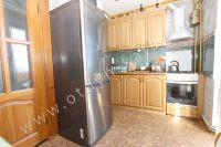 Предлагаем вам жильё в Феодосии посуточно - Вместительный холодильник