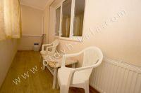 Феодосия без посредников - Столик и стулья на балконе