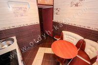 Жилье в Феодосии квартиры у моря - Нежно-коричневые тона на кухни