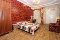 Предлагаем снять домик в Феодосии - Удобная двуспальная кровать