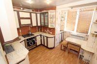 Уютная квартира в Феодосии - Большая кухня для приготовления