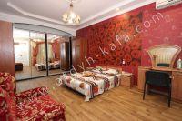 Крым, Феодосия. Гостевой дом с просторной спальней - Большая спальня