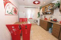 Снять дом в Феодосии посуточно - Большая кухня