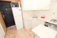 Феодосия: снять квартиру у моря недорого очень легко - Небольшая кухня