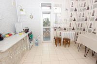 У нас есть недорогие квартиры в Крыму у моря - Большая светлая кухня