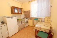 Феодосия: квартиры на лето, выгодно с Отдых-Кафа - Просторная кухня
