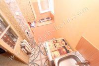 Феодосия: квартиры посуточно возле моря - Маленькая кухня на балконе