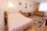 Для отдыхающих! Сдаю квартиру в Феодосии посуточно и недорого - Мягкий двуспальный диван