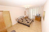 Стоимость квартир в Феодосии без измений - Большая и светлая спальня