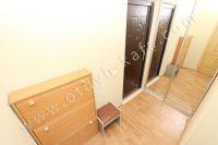 Стоимость квартир в Феодосии без измений - Небольшой коридор