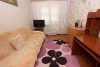 Недорого сдам квартиру в Феодосии у моря - Мягкий двуспальный диван