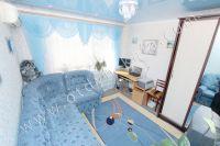 Отдыхайте в Крыму! Снимать квартиру недорого и просто - Светло-голубая спальня