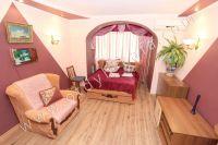 Феодосия: жилье у моря недорого с хорошим ремонтом - Мягкий двуспальный диван