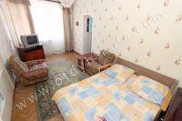 Ищете недорогое жилье в Крыму? Вы на верном пути - Большая проходная комната