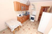 Снять жильё в Феодосии недорого - Обеденный стол