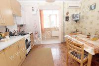 Снять квартиру в Феодосии посуточно, недорого и без хлопот - Просторная кухня