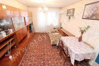 Выбирайте жилье в Феодосии – квартиры  - Большой и светлый зал
