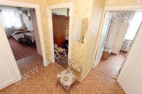 Выбирайте жилье в Феодосии – квартиры  - Просторный коридор