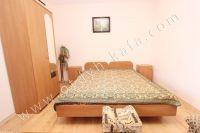 Приглашает Феодосия: квартира посуточно недорого - Широкая двуспальная кровать