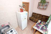 Приглашает Феодосия: квартира посуточно недорого - Вместительный холодильник