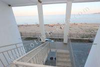 Приглашает Феодосия: квартиры у моря, снять легко - Вид на Черное море