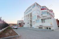 Приглашает Феодосия: квартиры у моря, снять легко - Охраняемая стоянка