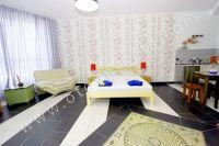 Феодосия, апартаменты у моря по доступной цене - Широкая двуспальная кровать