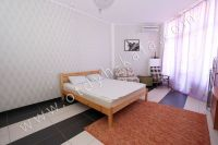 Проведите отдых в Феодосии 2018. Цены смотрите в описание - Мягкая двуспальная кровать
