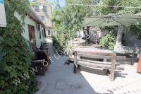 Снять жилье в Феодосии: частный сектор в центре у моря - Навес от солнца