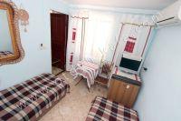 Снять жилье в Феодосии: частный сектор в центре у моря - Удобный столик